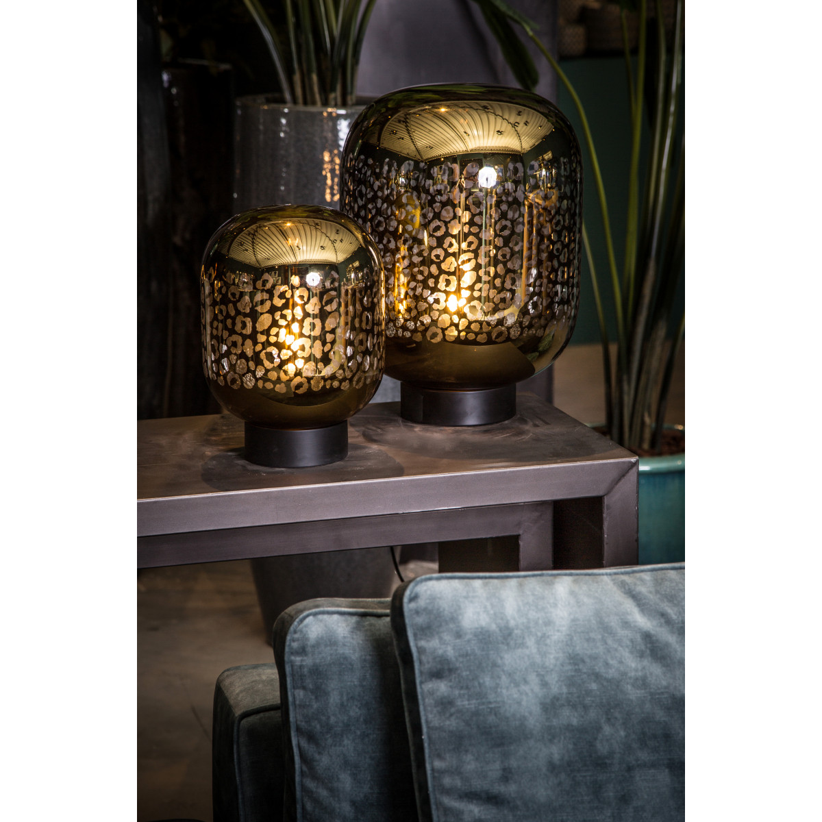 gouden kitsch tafellamp met luipaardenprint en een e27 fitting en snoer