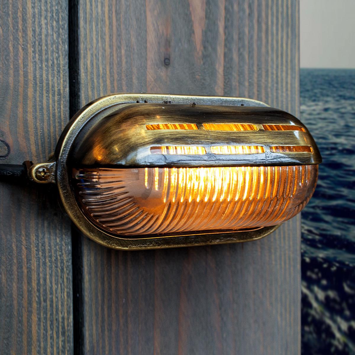 Bronzen muur scheepslamp van messing