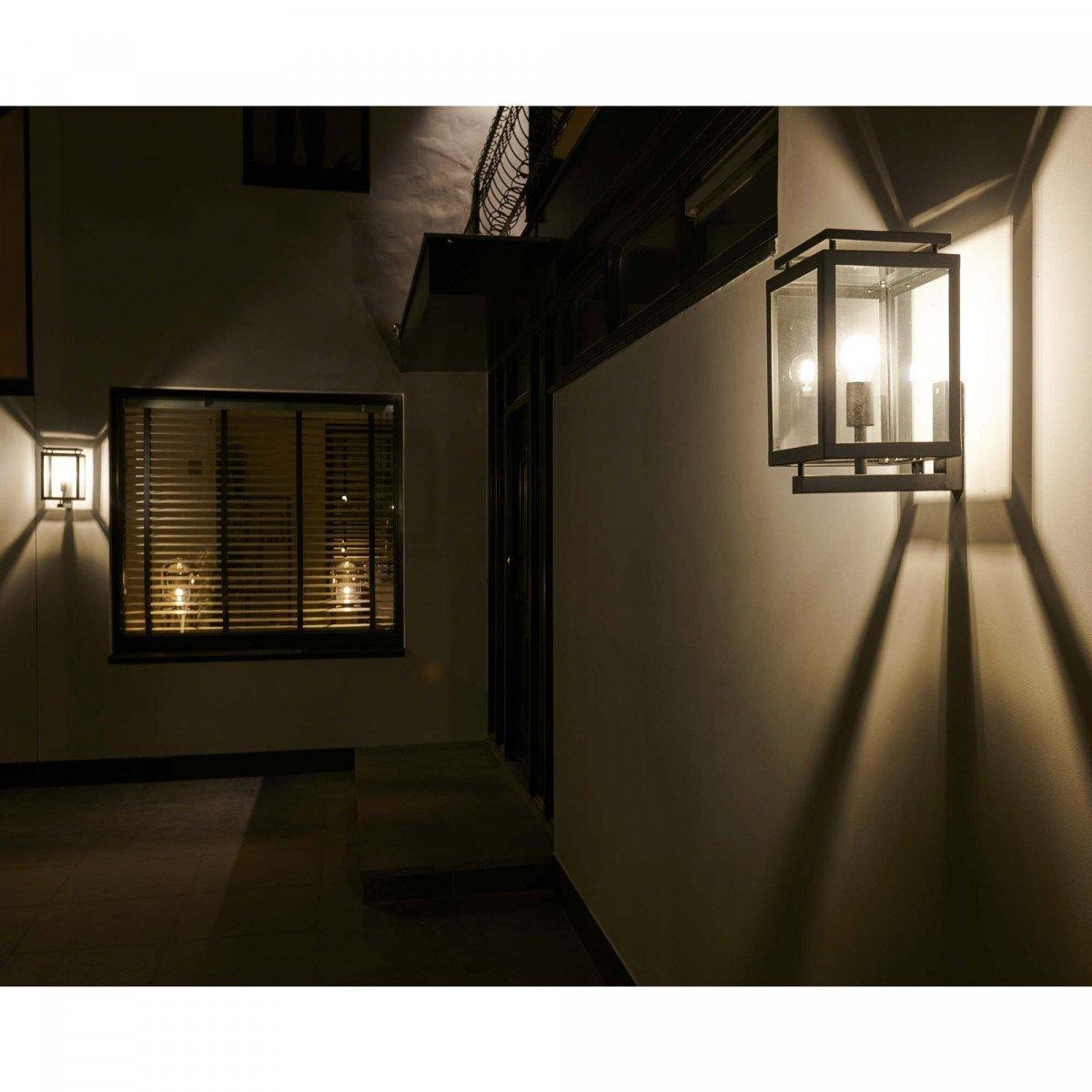 Buitenlamp De Vecht zwarte RVS buitenlamp voor aan de gevel, moderne strakke wand buitenverlichting