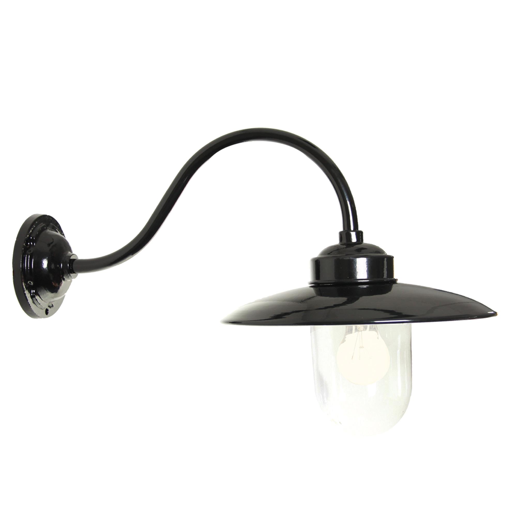 Stallamp Solingen zwart met dag/nacht sensor ledlamp